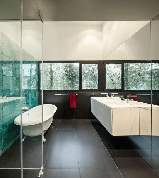 Ai rifacimento bagno moderno top 3 idee 2017 azienda for Piccolo bagno mediterraneo