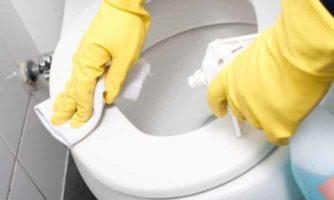 rimuovere la ruggine dal gabinetto