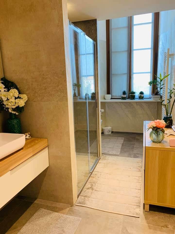 bagno piccolo moderno