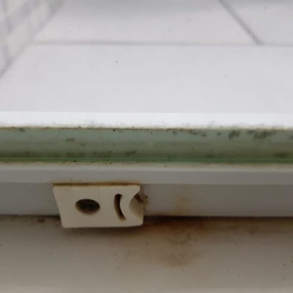 Box doccia arrugginito: perché?