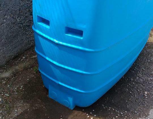 Come riparare una cisterna in polietilene usata per contenere acqua