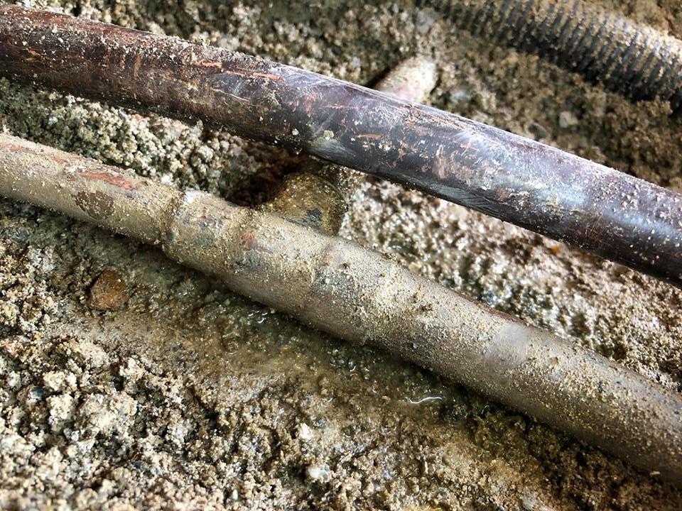 tubo sottotraccia perde acqua