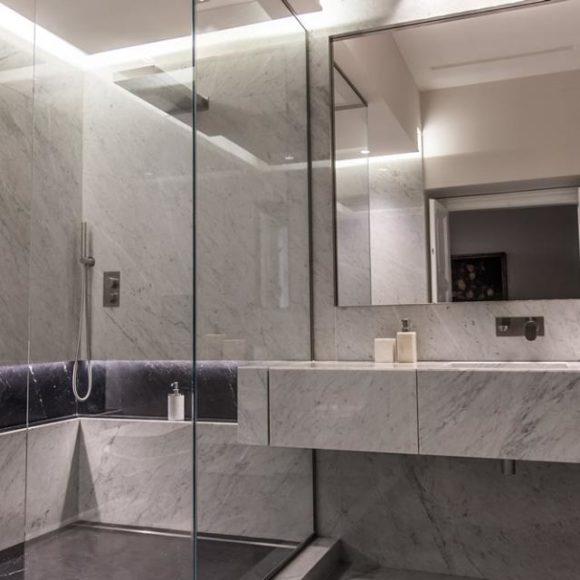 Bagno in marmo: caratteristiche e vantaggi