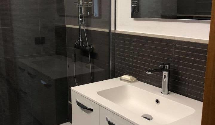Rivestimento parete bagno: A tutta altezza o a metà parete?