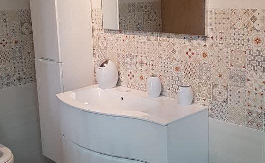 Ceramiche Arredo Bagno Moderno.Soluzioni Arredo Bagno Ceramiche Lavabo Specchio E Doccia