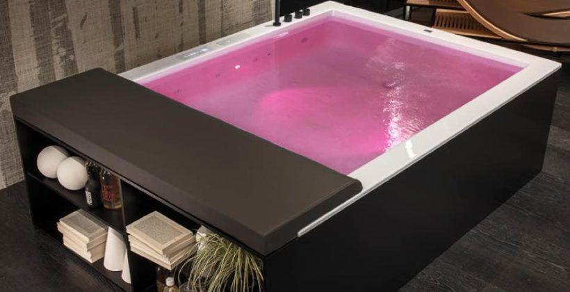 vasca da bagno illuminata rosa