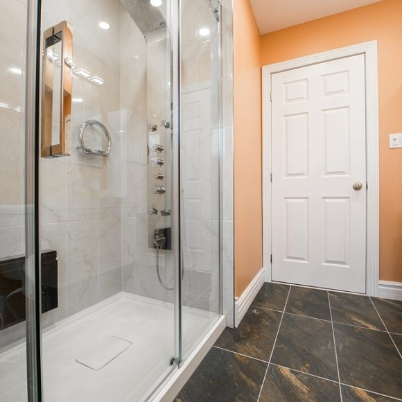 Come realizzare il bagno perfetto: ristrutturazioni, arredamento