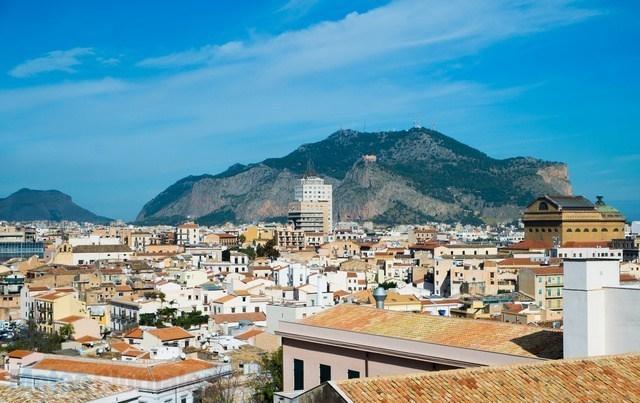 città di Palermo vista dall'alto