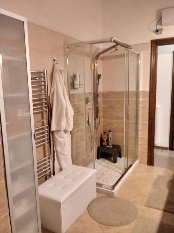 montaggio box doccia